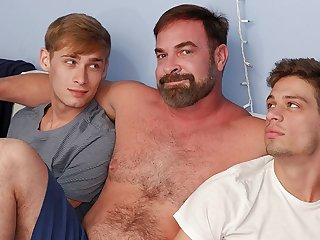 bareback (gay), twink (gay), bear (gay), big cock (gay), blowjob (gay), daddy (gay)