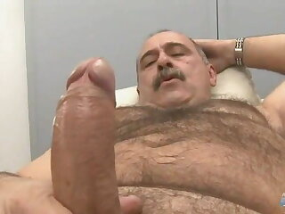 latin, mature, bear, rubbing, one, out